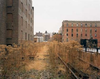 Joel-Sternfeld-The High Line, Looking North From 26th Street November 2000. (New York)