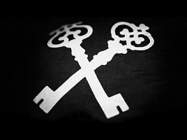 woodkid--iron--key--flag--blackandwhite-00
